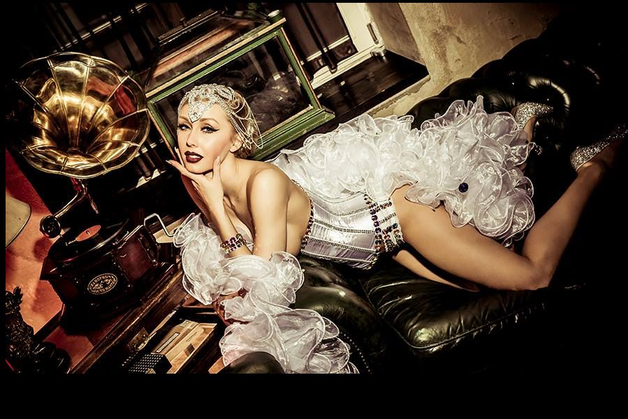 Burlesque Sofa