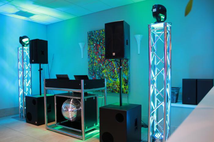 DJ Technik 2 Mr. t