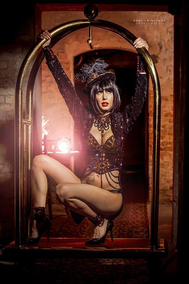 O.Burlesque black